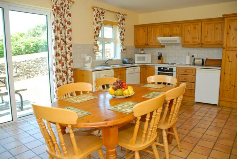 Dining room at Dingle Marina Cottages
