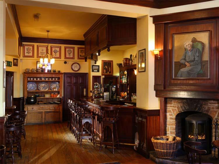 benners-bar